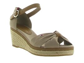 TOMMY HILFIGER ICONIC ELBA SANDAL<br>Taupe