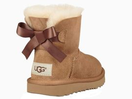 ugg marron noeud