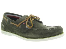 TOMMY HILFIGER CLASSIC SUEDE BOATSHOE<br>Taupe